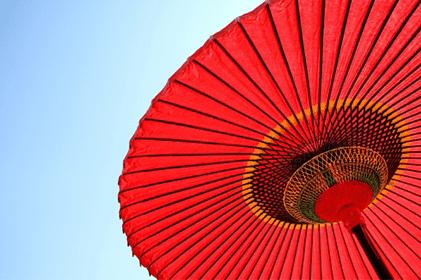 人気の赤い傘