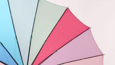 16本骨の日傘は丈夫で人気