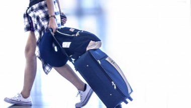 旅行にいく時準備するべきなのは折りたたみ傘?カッパ?ベストな雨具をご案内